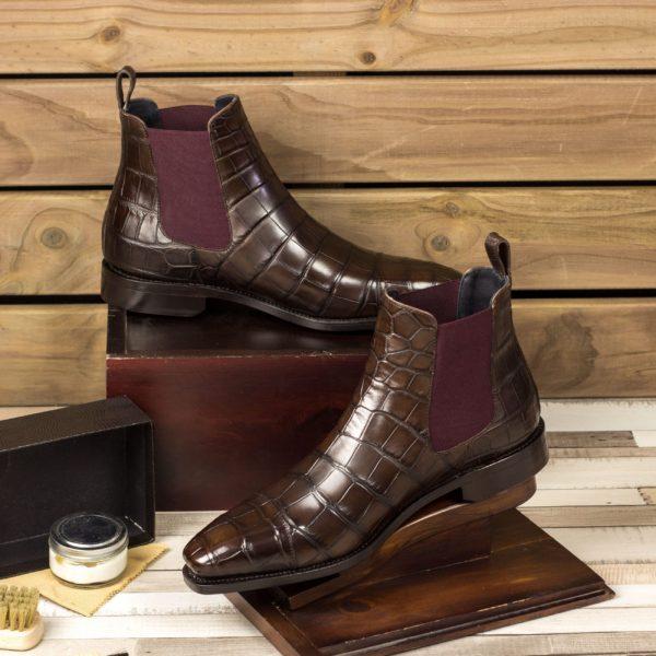 alligator Chelsea Boot SNAPPER insitu