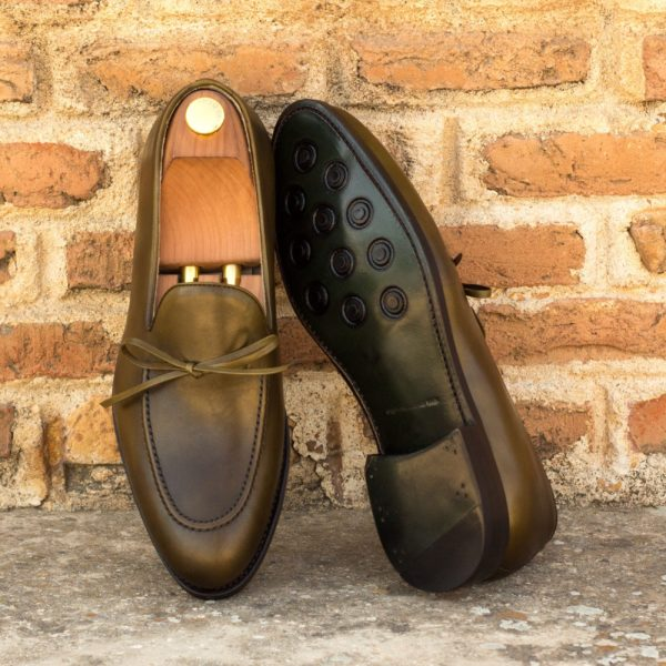 Laced olive leather loafers BENSON insitu