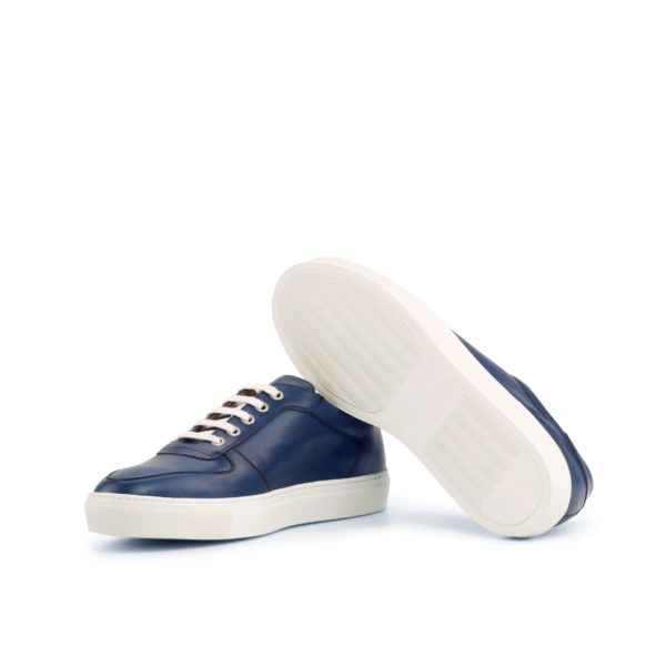 contrasting white rubber soles on navy Low-Top Trainers DAVY