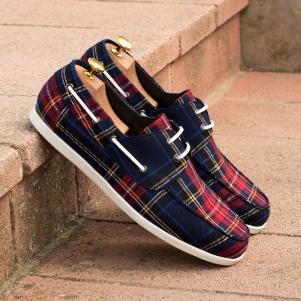 Boat Shoes VOSS covered in navy and red tartan fabric