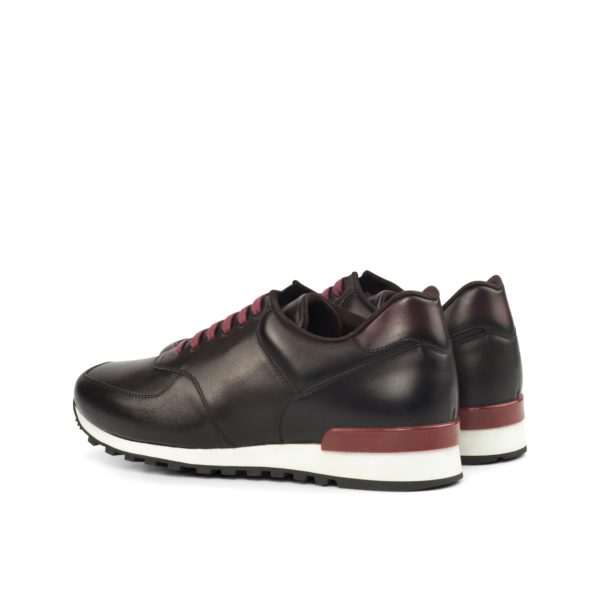 rear heel stabilizer detail in burgundy Jogger Trainers COE